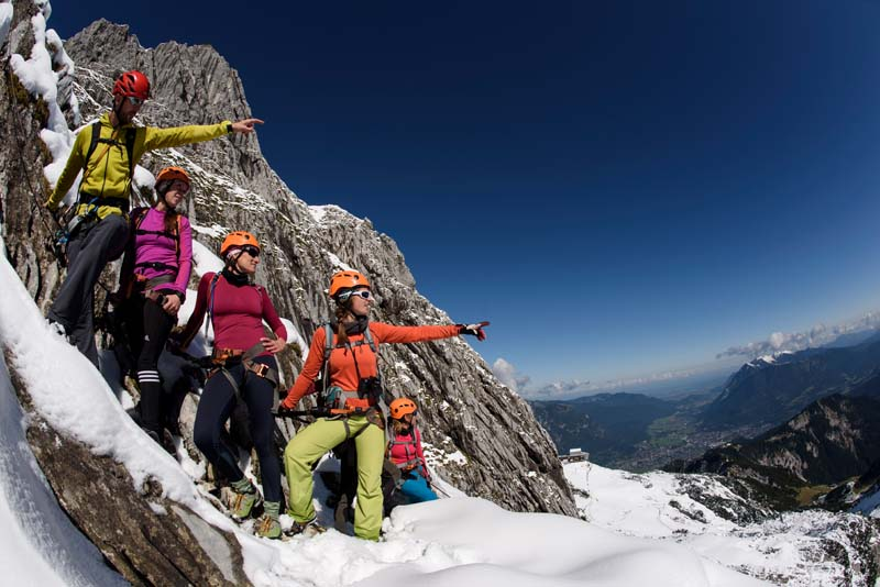 Kletterausrüstung Garmisch Leihen : Bilder vom klettersteig an der alpspitze alpinschule garmisch
